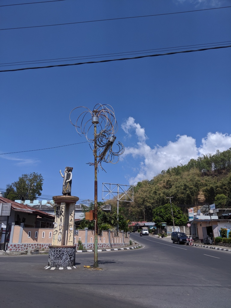 A road and roundabout in the town of Bajawa.