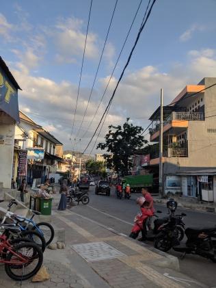 A relatively main street in Labuan Bajo.